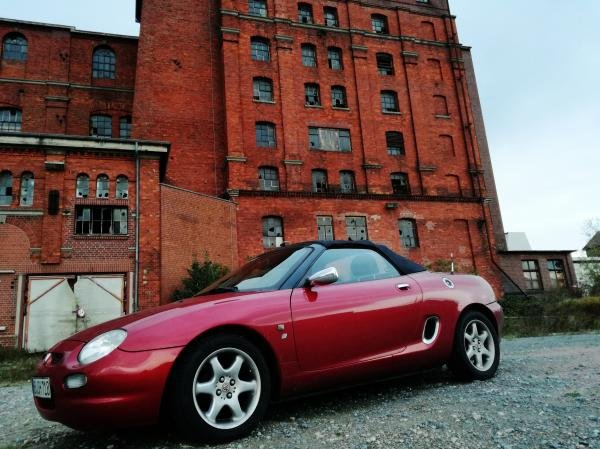 Showcase cover image for Herbie's 1998 MG Rover MGF 1.8i