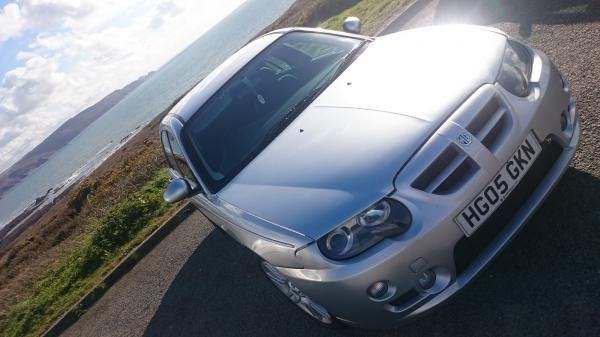 Showcase cover image for Toby Broomfield's 2005 MG ZT
